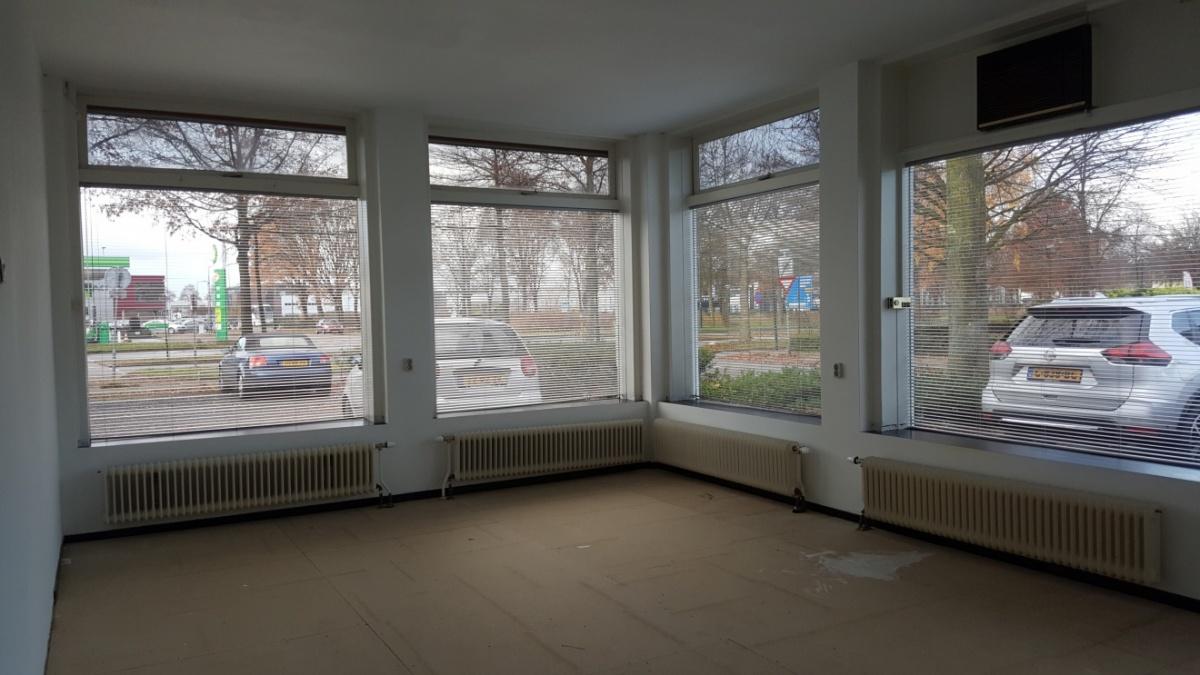Mooie, lichte ruimte van 30 m2 te huur!